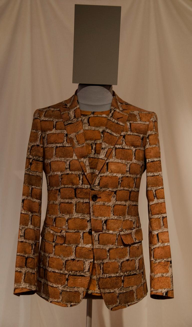 Jackett und T-Shirt Moschino Rosella Jardini  Mailand, H/W 2012/13 Baumwolle, bedruckt  2013.12 Eigentum der Stiftung für die Hamburger Kunstsammlungen