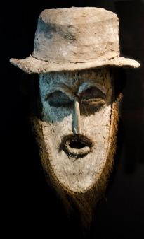 Maske - Darstellung eines Europäers im Museum für Völkerkunde Hamburg