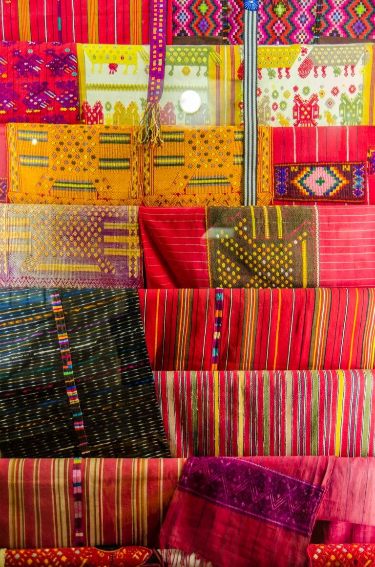 Textilien auf dem Markt der Maya im Museum für Völkerkunde Hamburg-0017