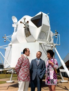Marquis Emilio Pucci visiting NASA Space Centre, in front of a model of the lunar excursion module in Houston, Texas, 30 September 1969, (c) NASA und Emilio Pucci Archive