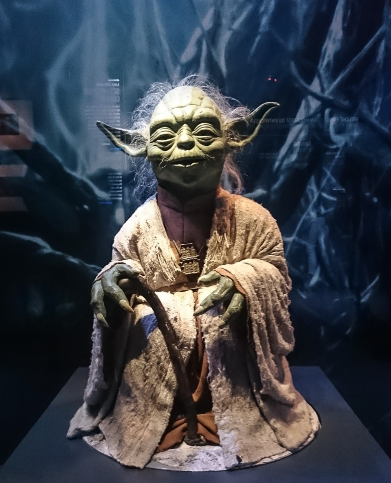 Star Wars Identities - THE EXHIBITION Jedi-Meister Joda des alten Jedi-Orden. Er starb im Alter von 900 Jahren und wurde eins mit der Macht.