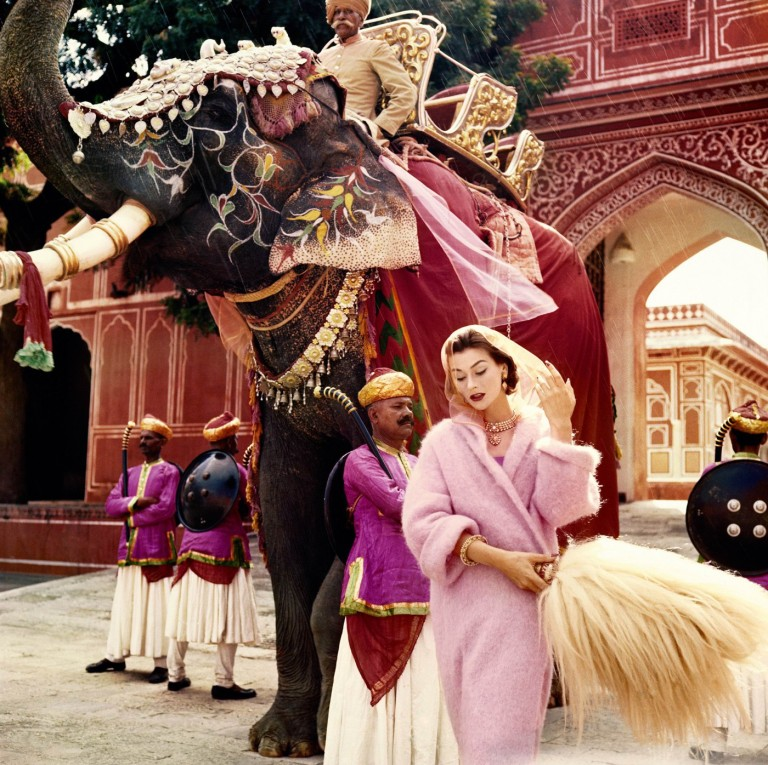 Anne Gunning in Jaipur by Norman Parkinson, 1956 ©Norman Parkinson Ltd/Courtesy Norman Parkinson Archive