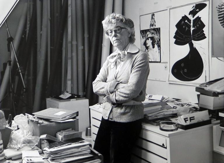 Regina Relang, 1981, Photo: Julius Kurt © Münchner Stadtmuseum Sammlung Fotografie Archiv Relang
