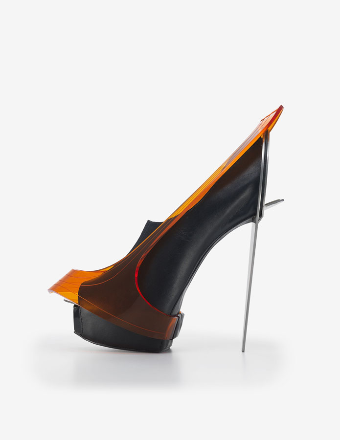 "Chau Har Lee. ""Blade Heel,"" 2010. Perspex, stainless steel, leather. Courtesy of Chau Har Lee. Photo: Jay Zukerkorn."