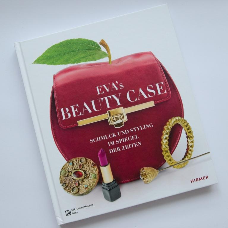 Eva's Beauty Case.  Schmuck & Styling im Spiegel der Zeit