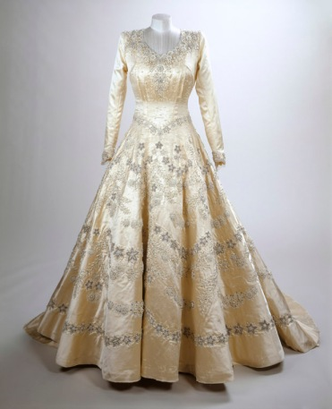 Princess Elizabeth's wedding dress, 1947, Norman Hartnell 'Fashioning a Reign: 90 Years of Style from The Queen's Wardrobe' at the Summer Opening of Buckingham Palace, 23 July - 2 October 2016. Royal Collection Trust / (C) Her Majesty Queen Elizabeth II 2016.