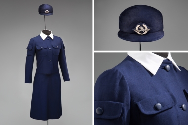 Air France stewardess uniform by Cristóbal Balenciaga 1969 Courtesy of Air France Photo credit: SFO Museum
