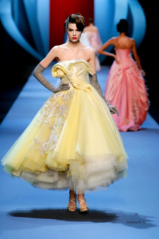 Christian Dior, Paris (fashion house) John Galliano (designer) spring−summer 2011 haute couture collection