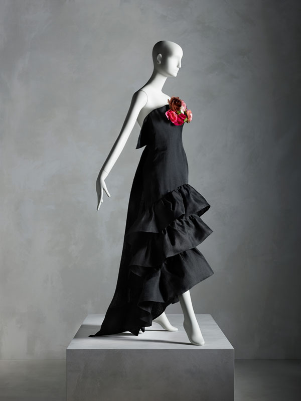 Evening Dress, Cristóbal Balenciaga (Spanish, 1895–1972) for House of Balenciaga (French, founded 1937), summer 1961; Promised gift of Sandy Schreier. Image courtesy of The Metropolitan Museum of Art, Photo © Nicholas Alan Cope